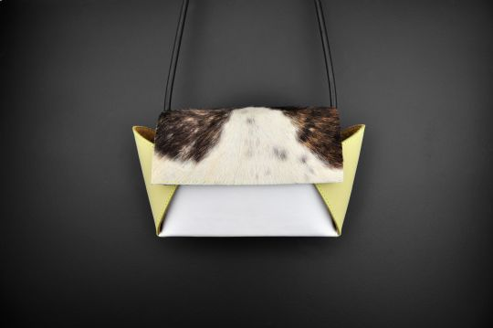 Paarl Papillio Clutch | Belgunique