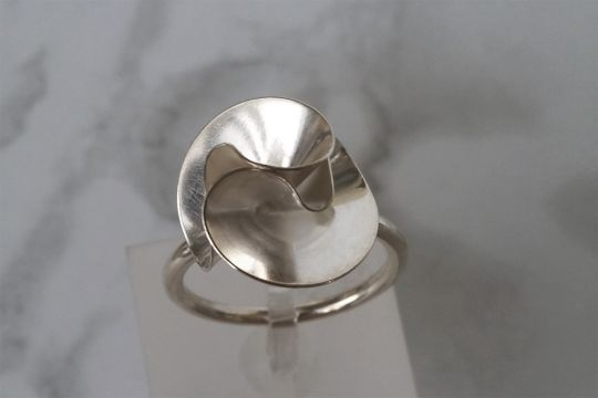 Floral Rose Ring | Belgunique