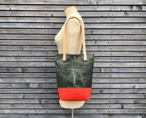 Tote Bag: Piñatex™ Red | Belgunique